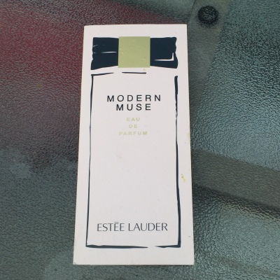 estee lauder modern muse perfume tipsypinup
